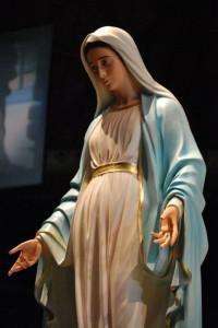 Mary-pregnant-200x300