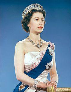 376px-Queen_Elizabeth_II_1959