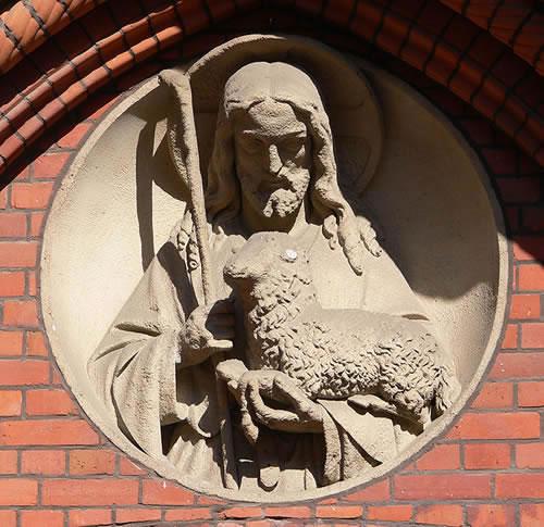Berlin_Herz-Jesu-Kirche_Portalrelief