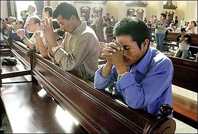 praying-in-church1