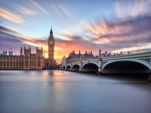 view-of-the-Big-BenThames-river-and-Westminster-bridge-at-dawn (1).jpg